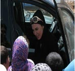 عکس های حضور لیلا بلوکات در مناطق زلزله زده آذربایجان شرقی