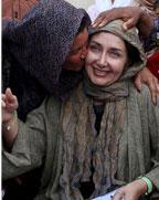 عکس های سفر کتایون ریاحی سفیر مهر آفرین به مناطق محروم کرمان و بندرعباس