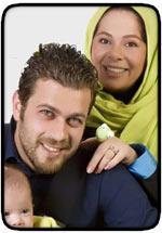 عکسهای پژمان بازعی همراه همسر و فرزندش